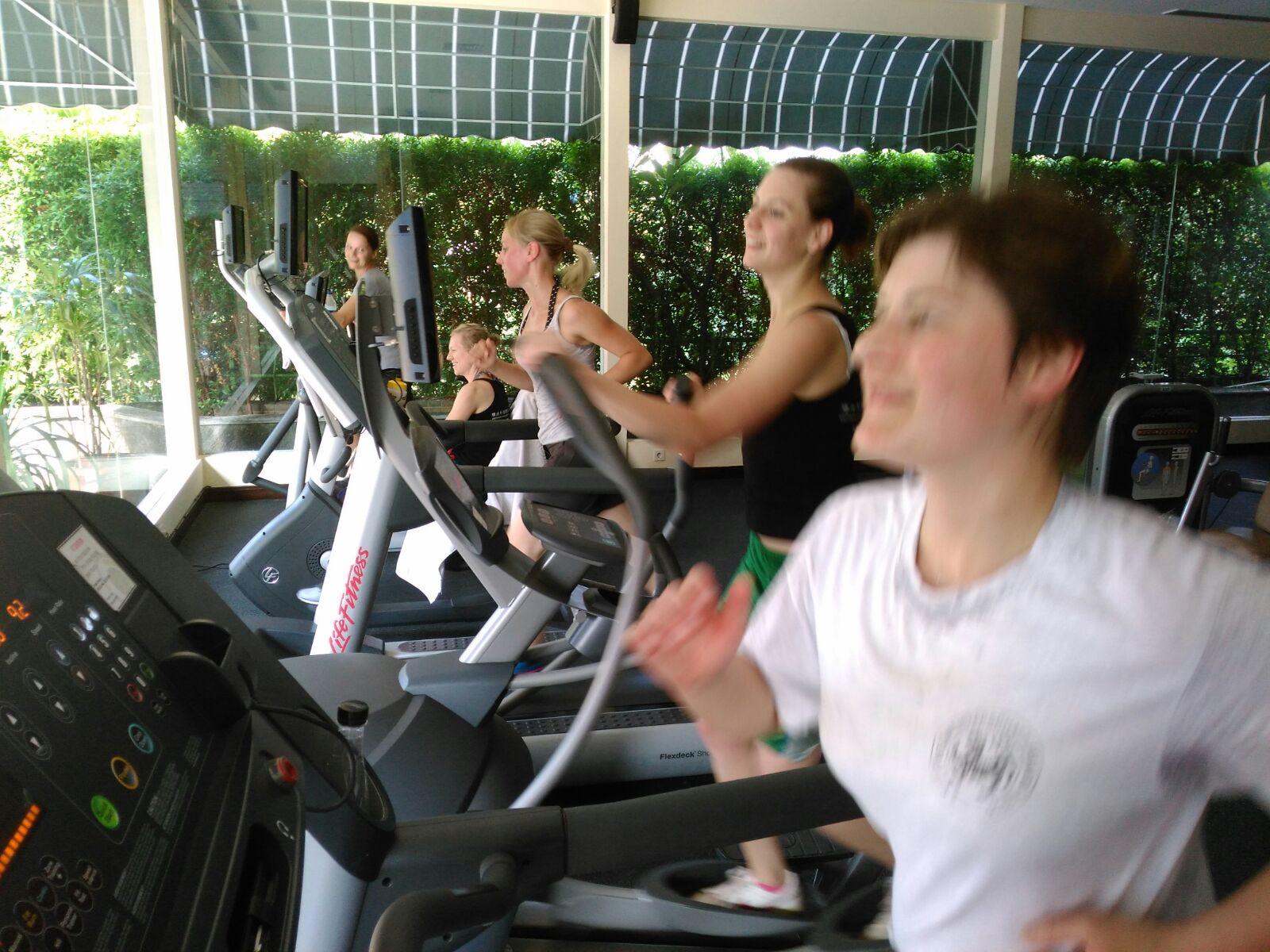 Zusätzliches Training am Laufband für die Karate WM